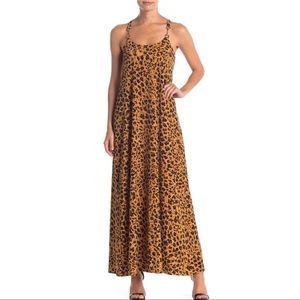 Donna Morgan | Leopard Print Maxi Dress